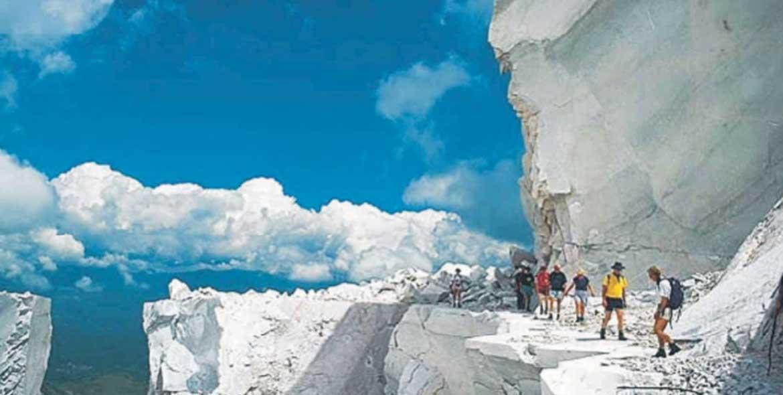 2 gg Tour Barca + Cave di Marmo Velamica